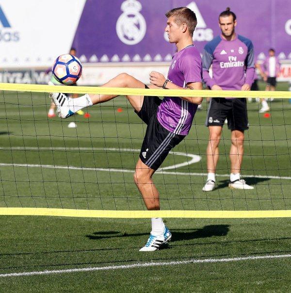 Photos de Gareth Bale à l'entraînement avec le Real Madrid (29.09.16)