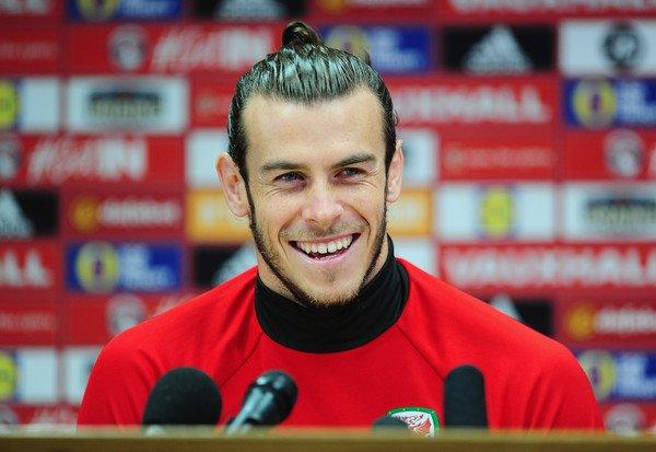 Photos de Gareth Bale en conférence de presse (08.10.16)