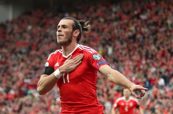 Photos de Gareth Bale pendant le match Pays de Galles - Georgie (09.10.16)