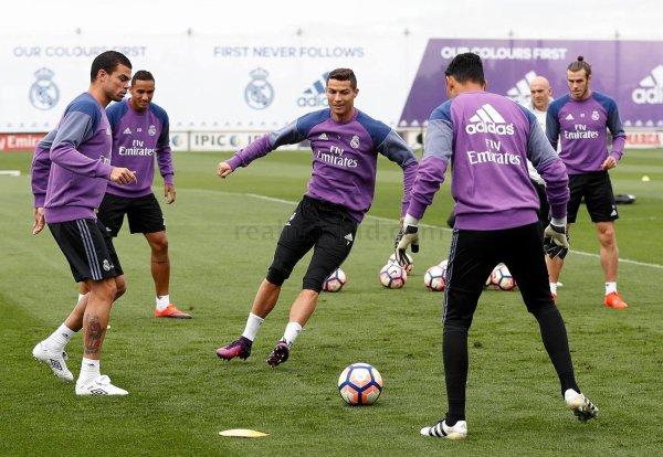Photos de Gareth Bale à l'entraînement avec le Real Madrid (14.10.16)