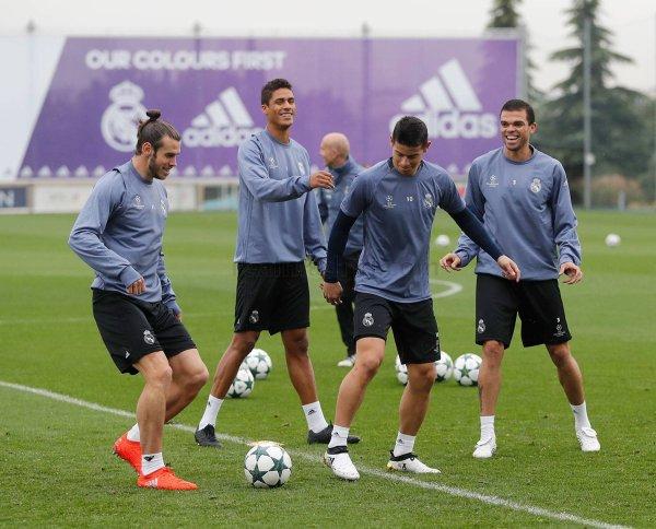 Photos de Gareth Bale à l'entraînement avec le Pays de Galles (16.10.16)
