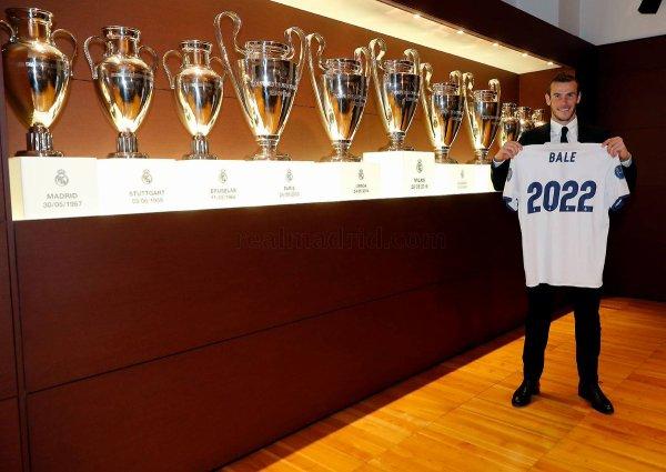Gareth Bale a prolongé sont contrat avec le Real Madrid jusqu'en 2022 (31.10.16)