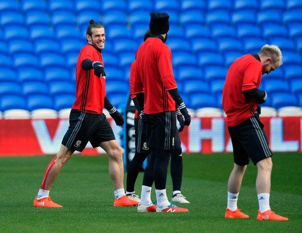 Photos de Gareth Bale à l'entraînement avec le Pays de Galles (11.11.16)