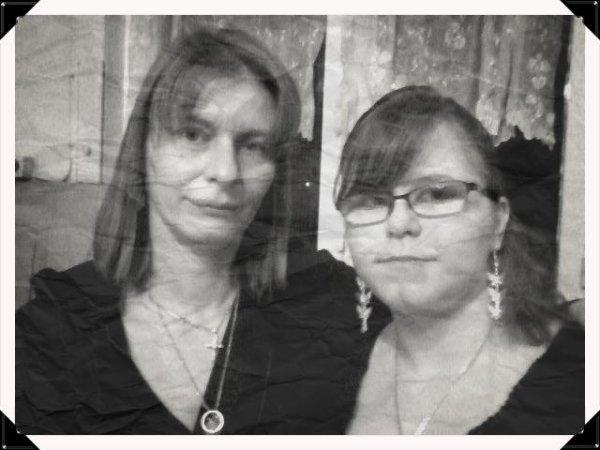 ma mere & ma soeur <3