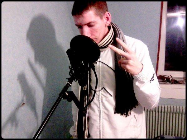 RoOmùald / MoOn Frèro (l) Chanteur && Compositeur (MUSIC) Pour le Filton (l)