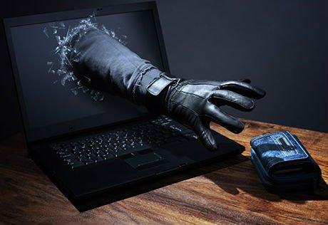 Grand féticheur SORCIER dit PAPA DJAKPATA Voyant féticheur VODOUNON est un escroc et un cybercriminel