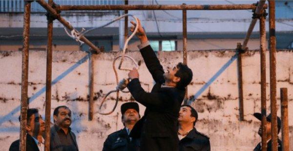 Tarik Jadaoun pendu jusqu'à ce que mort s'ensuive conformément à l'article 4 de la loi antiterroriste,