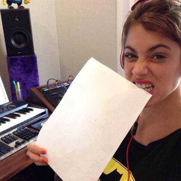 Tini est en studio
