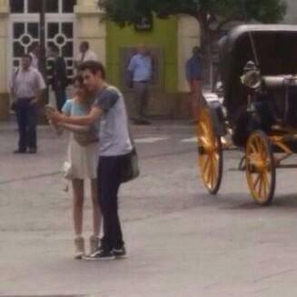 Les derniers épisodes se tournent en ce moment à Sevilla et a en jugées les photos, je pense que Leonetta terminera ensemble