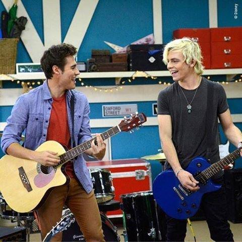 Who !!!! Ca alaire trop bien de chanter avec Ross !
