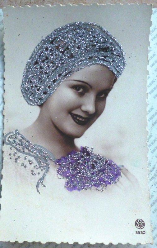photo portrait de femme coiffe style fete ste catherine