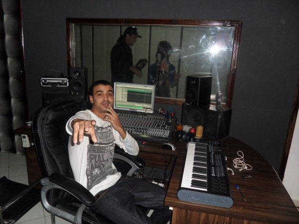 K-Cen in The studio Noise