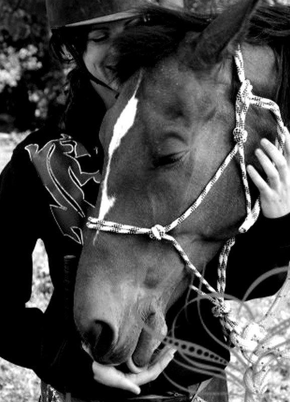 Il ne reste rien de tout ces moments que le temps effacent... Rien de tout ces instants que rien ne remplace, rien, plus de sentiment quand il faut faire face... Rien de ce qu'on aimait tant, plus aucune trace, rien plus de sentiment, c'est comme une impasse...