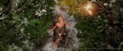 Bienvenue sur le blog. qui ne sera que sur le film Peter Pan, qui fut sortie en 2004. Pourquoi tant de passion ? Pourquoi tant d'admiration envers ce film ? Eh bien, ce n'est pas seulement qu'un film pour moi, c'est une légende. Ce film nous emmène loin, très loin, là ou jamais on ne grandi, là ou il y a des sirènes, pirates, fées : Le pays Imaginaire.