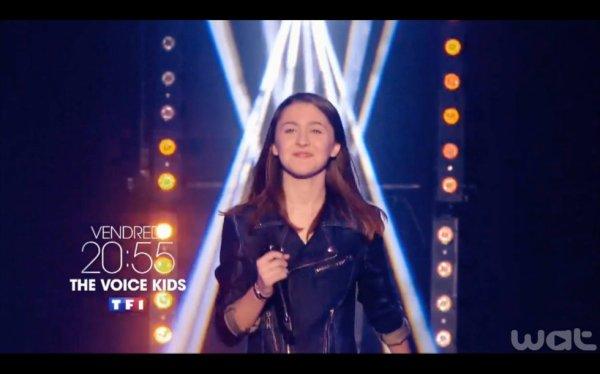devants the voice kid tous dérriére Elisa Commery