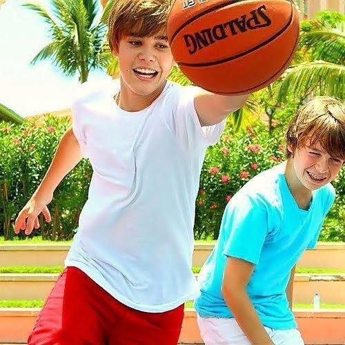 Photo : Christian Beadles && Justin Bieber