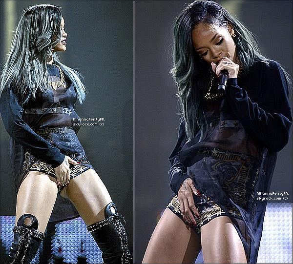 - 28/07/2013 : Rihanna donnait sa dernière performance en Europe hier soir à Helsinki, en Finlande ! -
