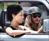 - 09/08/2013 : Rihanna a d'abord été aperçue en compagnie de ses amies alors qu'elle conduisait dans le centre ville de Bridgetown. Et dans l'après-midi, elle faisait du bateau. Un TOP ? BOF ou bien alors FLOP ?  -