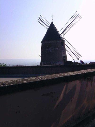 NOTRE moulin et a PERSONNE d'autres !!!!!!!!!!