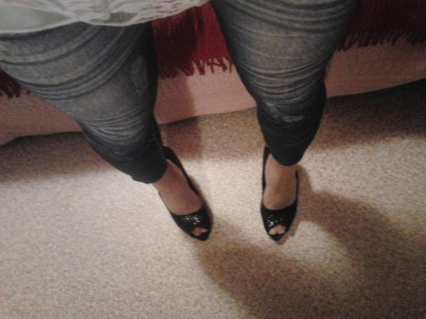 mes jambes et mes talons :)