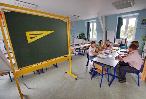 Sondage : les jeunes enseignants souffrent du manque de reconnaissance - actu.orange.fr
