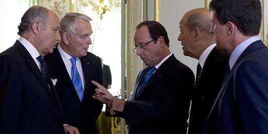 """Syrie : Hollande convoque le Parlement pour """"trouver la riposte appropriée"""" - lemonde.fr"""