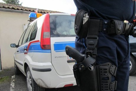 Charente : faut-il armer la police municipale ? - sudouest.fr