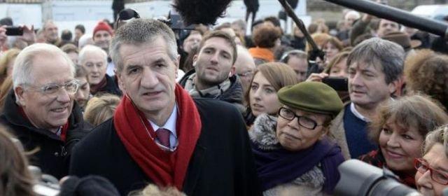 Jean Lassalle s'interroge sur sa candidature aux municipales - leparisien.fr