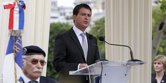 Valls critique les « débordements inacceptables » de la manifestation à Barbès - lemonde.fr