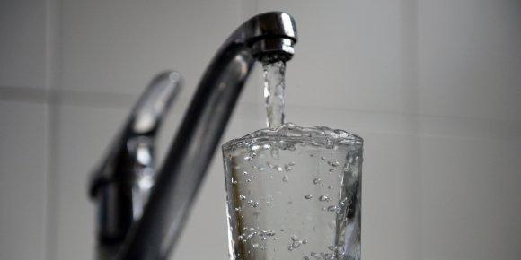 Ségolène Royal veut créer un tarif social pour l'eau - bfmtv.com