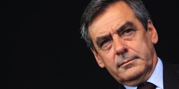UMP: 300.000 euros de frais d'avion privé pour François Fillon en 2009 et 2010 - bfmtv.com