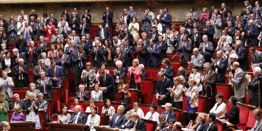 Déclaration de patrimoine : deux parlementaires UMP visés par une enquête - lemonde.fr