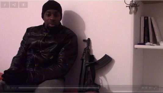 Charlie Hebdo : un homme ressemblant à Coulibaly revendique l'attaque de Montrouge sur une vidéo - lesechos.fr