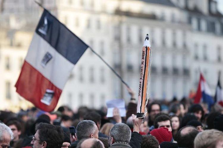 «Journée historique» que «la classe politique doit faire fructifier», selon la presse - liberation.fr