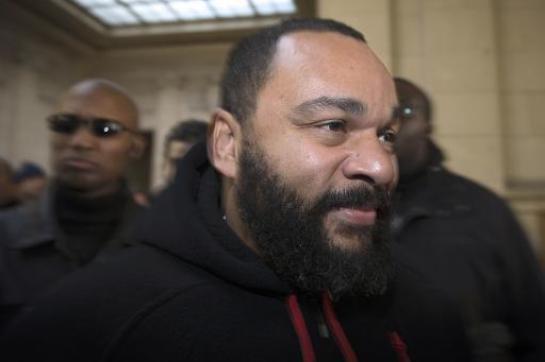 «Je suis Charlie Coulibaly» : Dieudonné provoque, une enquête ouverte - leparisien.fr