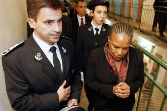 Terrorisme : le gouvernement veut des quartiers spécifiques dans les prisons - leparisien.fr