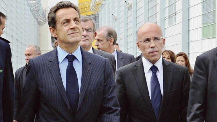 Terrorisme: Sarkozy adresse les propositions de l'UMP à Cazeneuve - lefigaro.fr