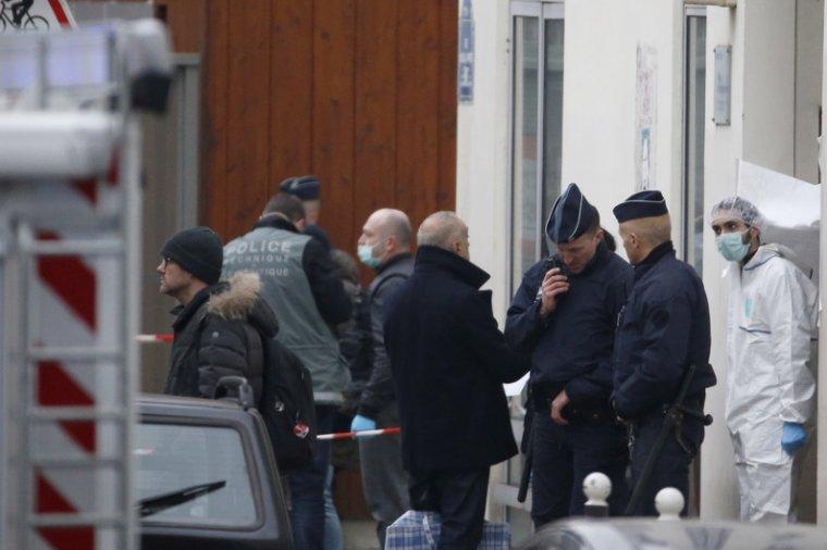 Attentats à Paris : le parquet requiert le placement en détention des 4 suspects et ouvre une information judiciaire pour assassinats - rtl.fr