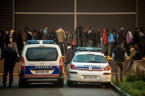 Human Rights Watch dénonce des violences policières contre des migrants à Calais - corsematin.com