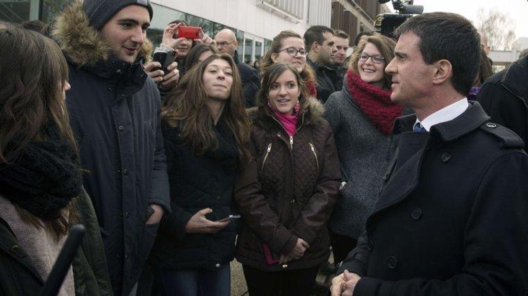 Manuel Valls veut imposer la mixité sociale - lefigaro.fr
