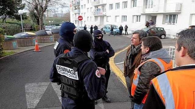 Arrestation de 5 Russes : 4 suspects avouent un projet de tentative d'assassinat - france3-regions.francetvinfo.fr