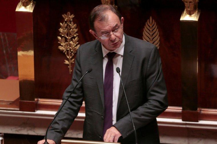 """Le PS prépare une proposition de loi pour un """"service national républicain"""" - rtl.fr"""