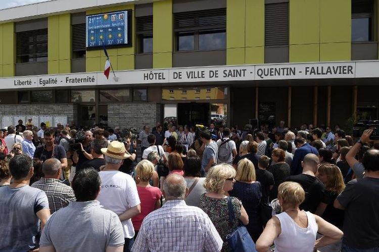 Saint-Quentin-Fallavier veut «faire front face à la barbarie» - AFP