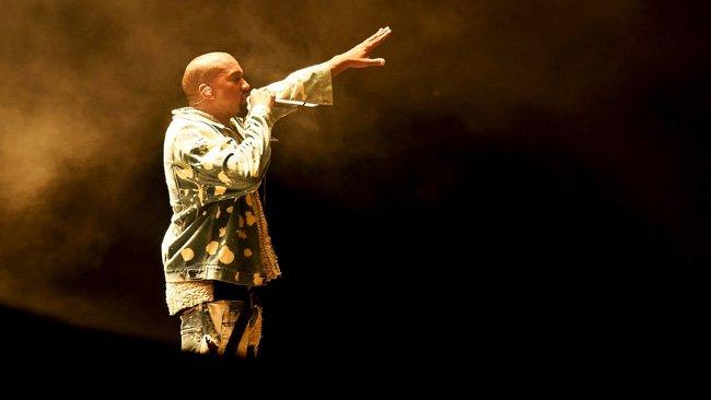Kanye fait le show mais ne gagne pas le coeur de Glastonbury - AFP