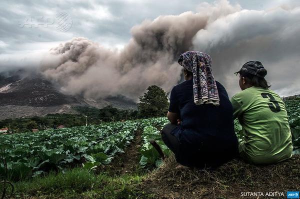 Vie précaire dans l'ombre d'un volcan en Indonésie - AFP