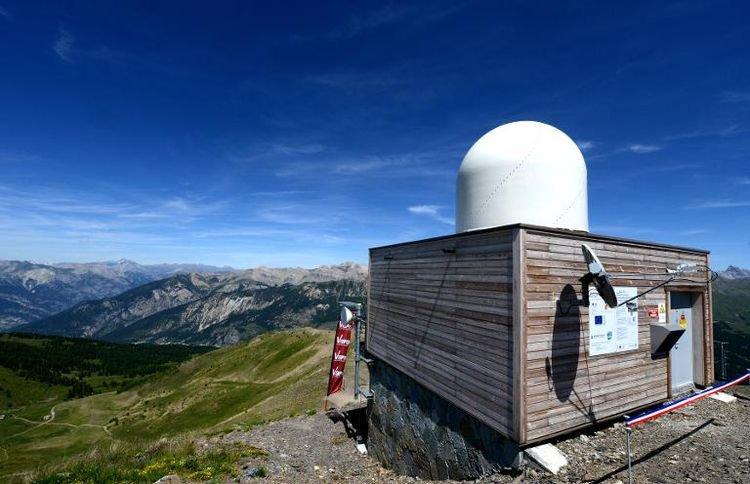 Dans les Alpes du Sud, des radars de montagne pour prévenir les désastres pluviométriques - AFP