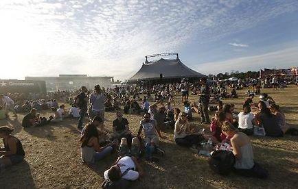 Le festival Solidays fait le plein et voit plus grand - AFP