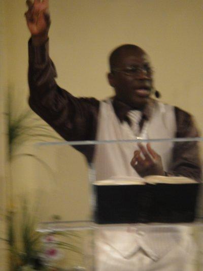 JE SUIS FIERT D'ÊTRE LE FILS DU VRAI DIEU JEHOVAH