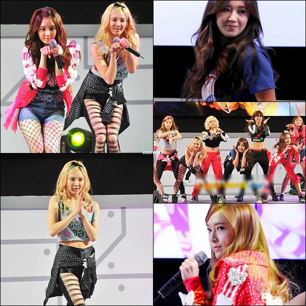 [07.04.13] Les SNSD performant au LG 3D Cinema Event ~