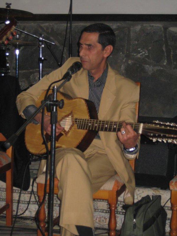 chanteur : NABIL YAHIAOUI